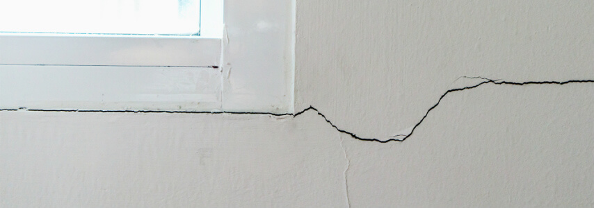 cracks in walls and ceilings - when to worry