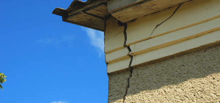 Cracks in Walls and Ceilings – Foundation Problems?