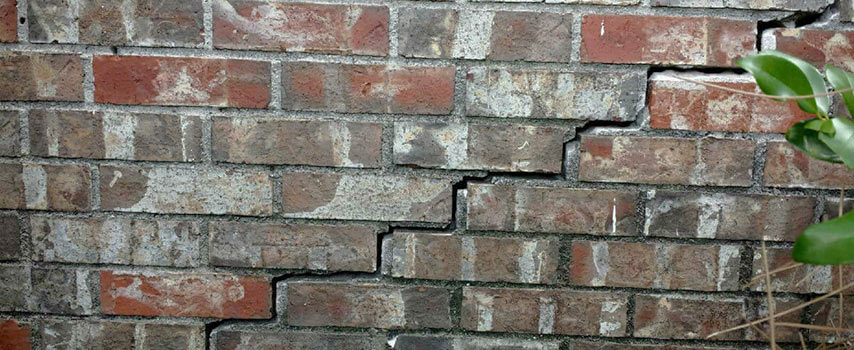 pictures of bad foundation cracks