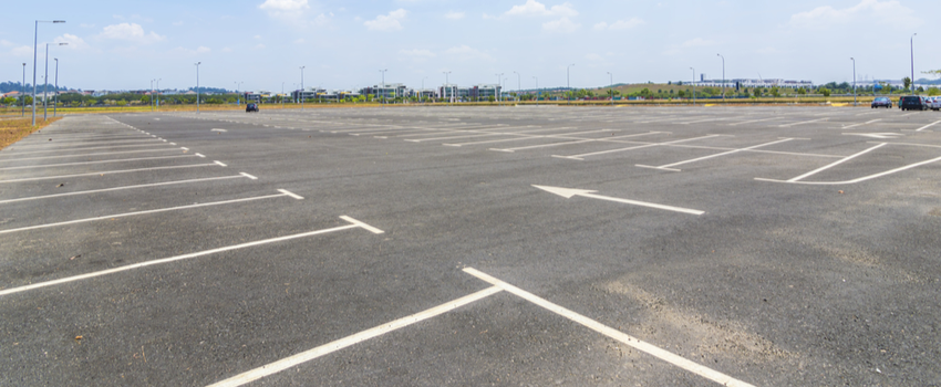 4 Ways Commercial Businesses Can Improve Parking Lots & Drive Lanes